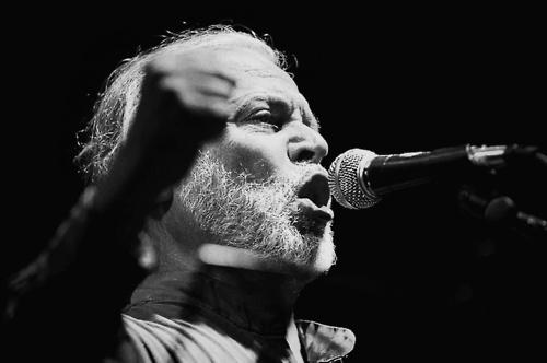 """""""Gato"""" Alquinta, uno de los más grandes músicos chilenos de todos lo tiempos, voz del grupo Los Jaivas por casi 40 años. ¡Con tu música imperecedera todavía te recordamos, Gato!"""