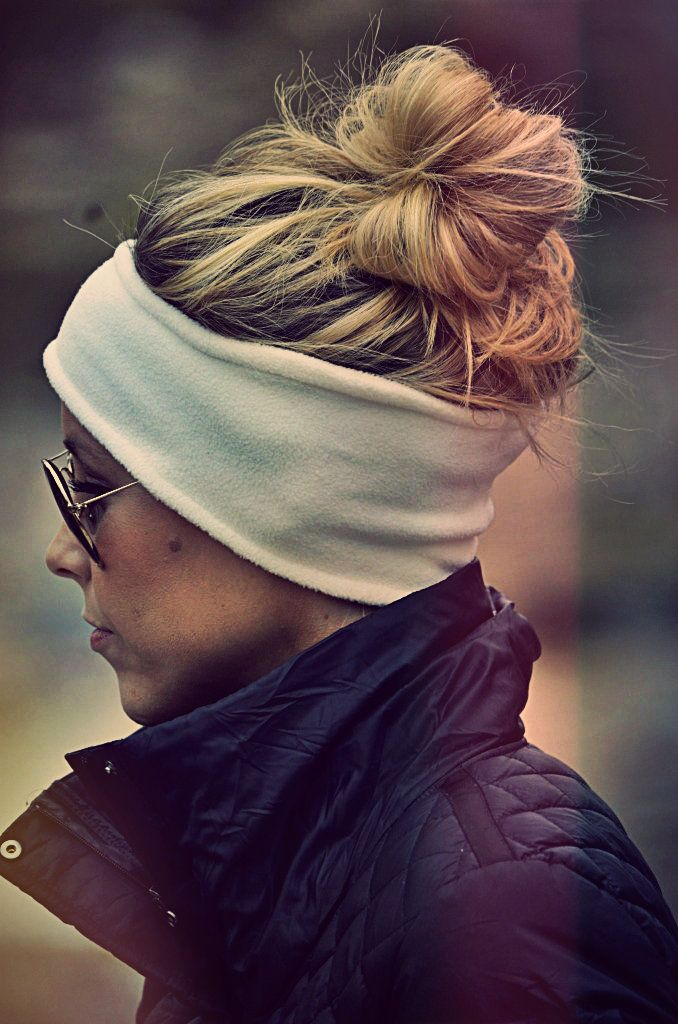 Love how having a headband on can still look chic with a top knot & aviators!