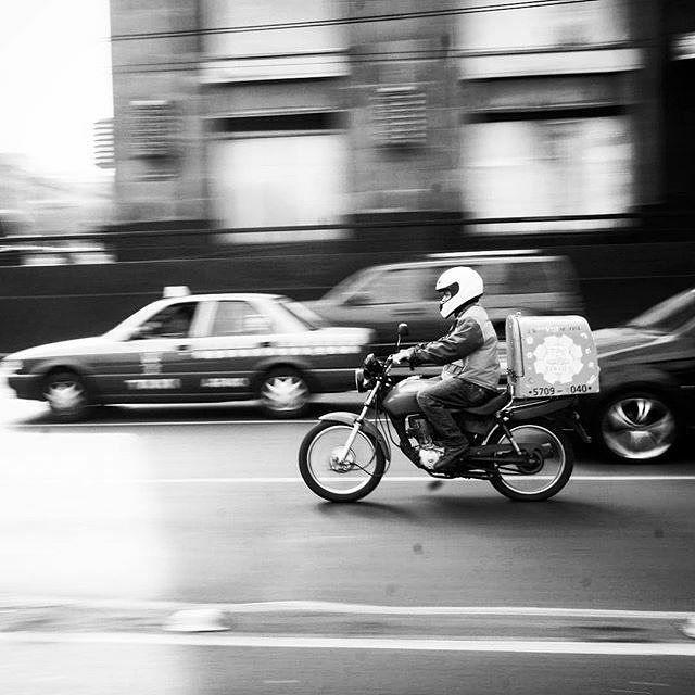 Reposting @lynda_volta: Head in the clouds but my gravitys centered - Sweater Weather The Neighbourhood . . . . . . #blackandwhitephoto #motorcycle #cdmx #lindavoltaphoto #blackandwhitephotography #blackandwhitechallenge #blackandwhitemood #travel #photography #photo #bw #monochrome #streetphotography #bnwphotography #bnw #art
