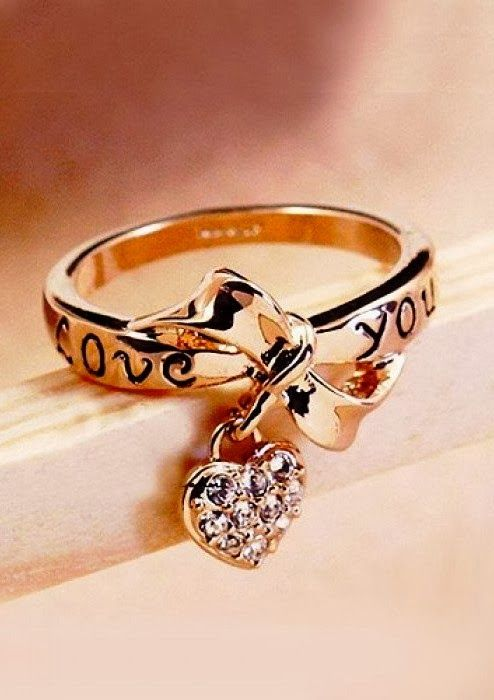 Gorgeous heart shape bow knot ring
