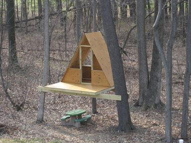 69 best treehouses playhouses sheds images on pinterest for How to build a simple tree fort