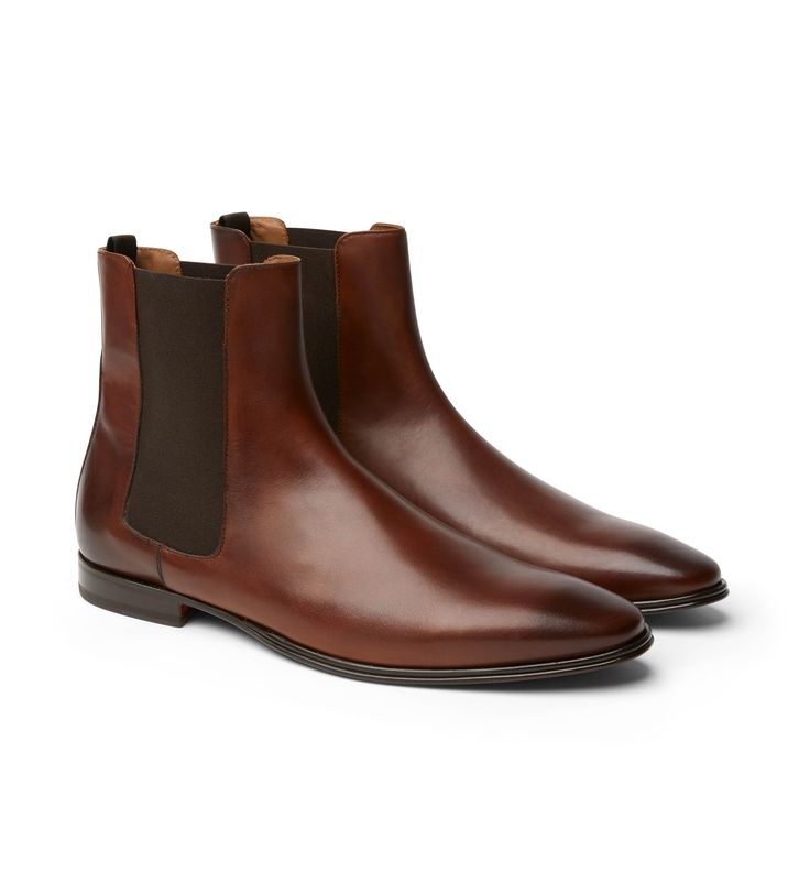 The Doucals Brandy Boot is combines high quality craftsmanship with a sleek modern design. The Tan colour works back perfectly with anything from denim to suiting.