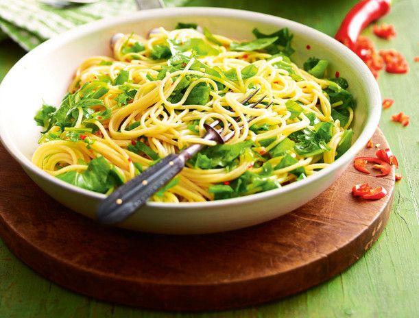 Unser beliebtes Rezept für Rucola-Lemon-Spaghetti mit Chili-Öl und mehr als 55.000 weitere kostenlose Rezepte auf LECKER.de.