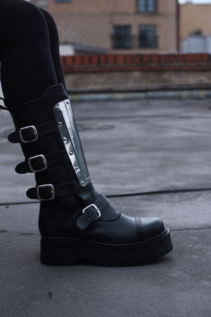 UNDERGROUND SHOES. The Warrior 4 Buckle Steel Cap Boot. Black leather and metal plate.