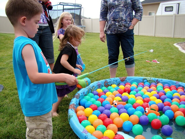 696 best games images on pinterest childhood games garden games love this diy fishing game the fickle pickle we had a party solutioingenieria Image collections