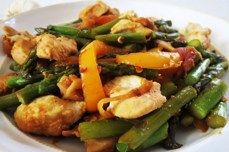 Sauteed Chicken with Asparagus and Peppers