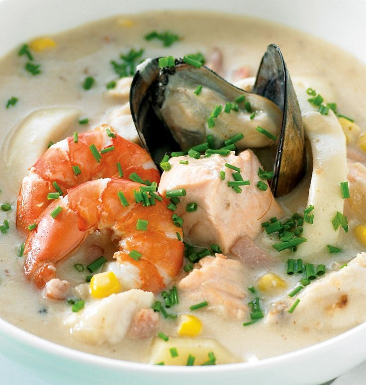 Mixed Seafood chowder recipe with prawns, mussels, fish and scallops. A fabulous dish that is easy to prepare. See the great chowder recipes in this article