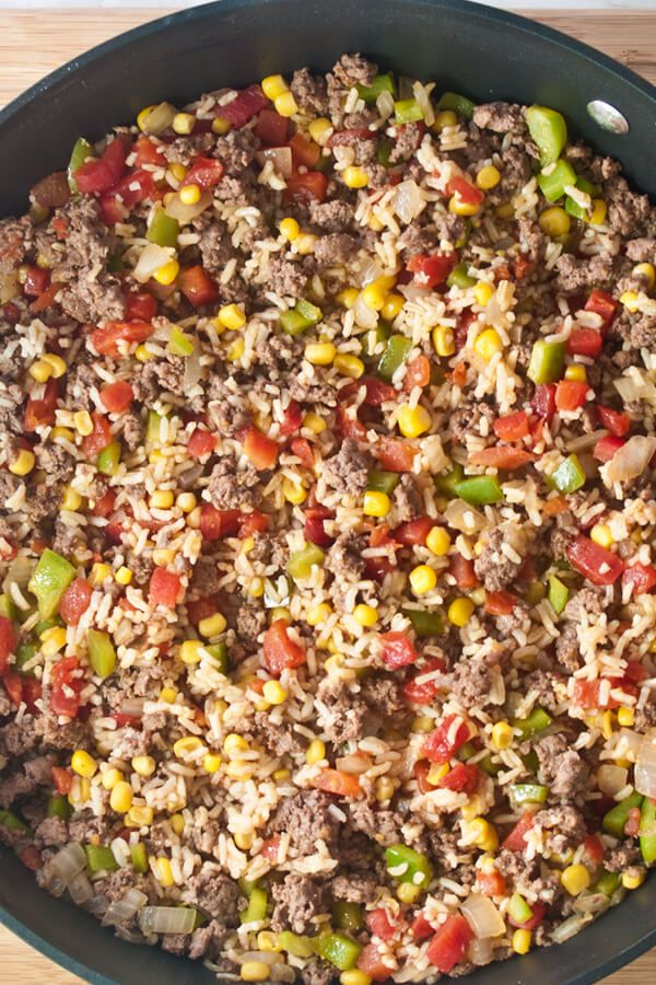 Skillet Fiesta Made With Ground Beef Salad Oil Onion Salt Chili Powder Black Pepper Tomatoes Whole Kern Quick Rice Dishes Fiesta Recipes Beef And Rice
