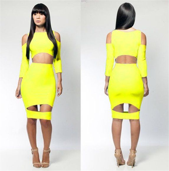 Yellow green dress long sleeve.