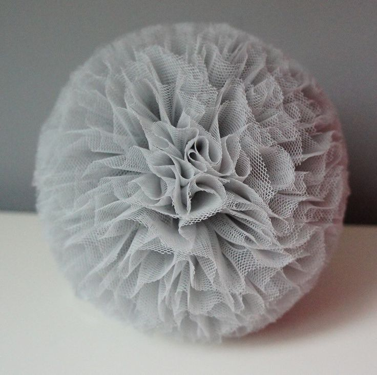 Tulle Pom pom by MamaPotrafi on Etsy