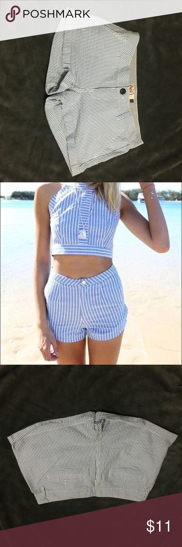 So Shorts Blue & White Striped Cuffed Low Rise So Shortie Shorts Size 8 Seersucker Blue & White Striped Cuffed Low Rise. The picture of the model is an idea about how to style the shorts with a crop top, and not the actual shorts. 100%cotton so Shorts Jean Shorts
