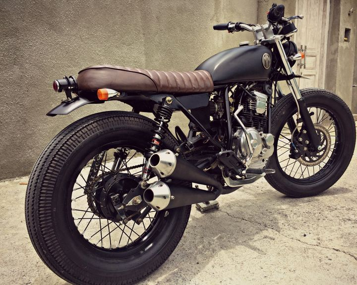 Yamaha Scorpio 225 Brat Style by @dirkimango  MalaMadre Motorcycles #bratstyle #YamahaScorpio | caferacerpasion.com