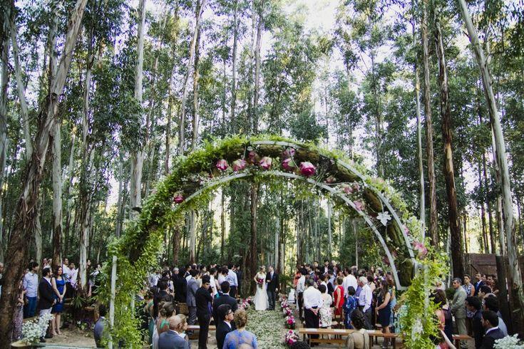 Casamento na Floresta – Stefane e Igor http://lapisdenoiva.com/casamento-na-floresta-stefane-e-igor/ Foto: Estúdio Delfi