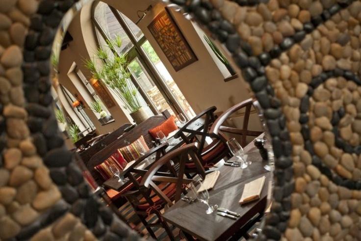 Restaurace nabízí skvělé steaky a speciality na grilu. Každou neděli je zde Brunch od 11:00 do 15:00, kdy je možné sníst tolik, kolik se do Vás vejde!