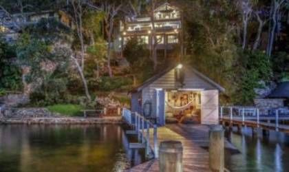 Australian waterfront home showcases contemporary coastal style