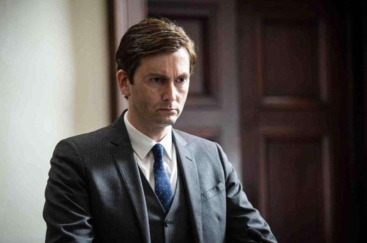 Here's an exclusive picture of David Tennant in The Escape Artist.