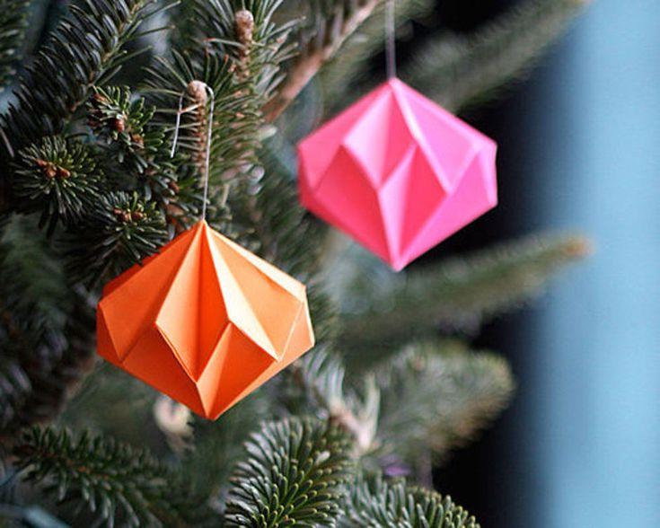 Een tien voor sfeer en gezelligheid. Dankzij deze 7 leuke DIY-ideetjes voor de geweldigste kerstboomversiering ligt de hoogste score binnen handbereik.