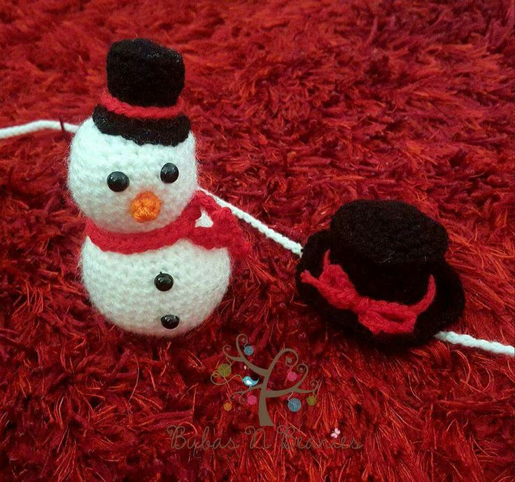 Mini snowman a top hat tie back
