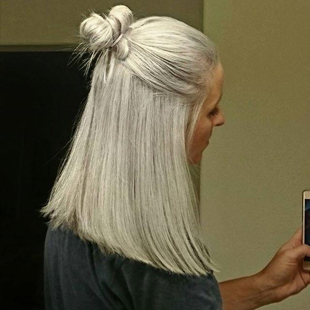 Real life Targaryen hair color ♀️ Now who can teach me how to braid? #WhereAreMyDragons #BendTheKnee #Khaleesi #DaenerysTargaryen #HadToLookUpHowToSpellThat