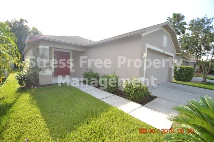 3 bed2 bath home in tampa with 1280 sqft of living space