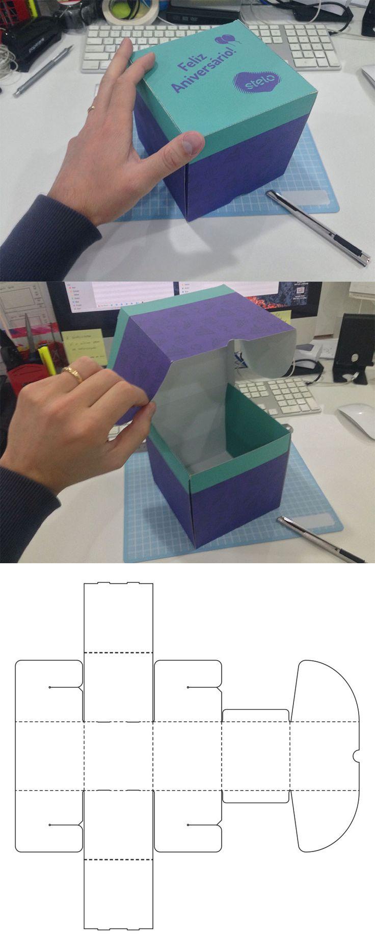 Cubo caixa presente com travas de encaixe.