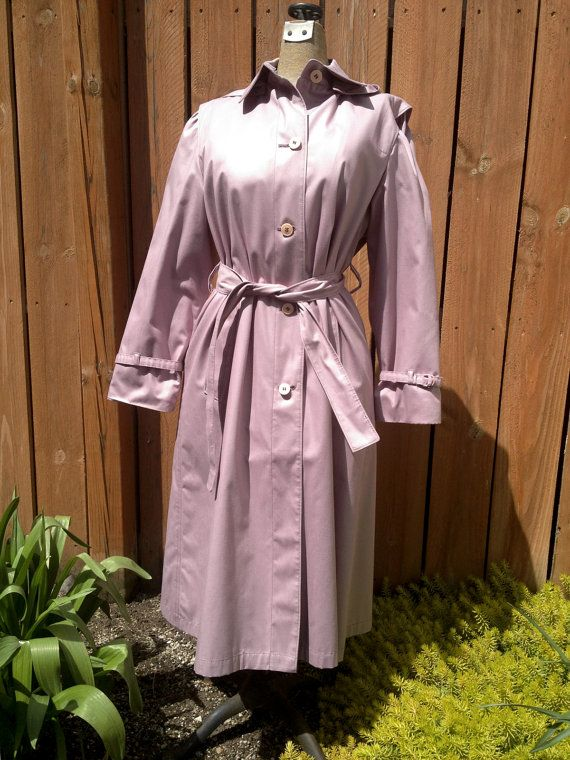 London Fog Lilac /Lavender Ladies Raincoat, Trenchcoat, Dress Coat Size 6 Petite Preppy