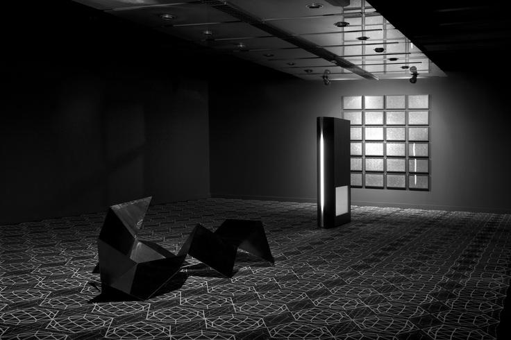 "Wystawa Loris Greaud ""Shelter"" (2010) / Loris Greaud's exhibition ""Shelter"" (2010)"