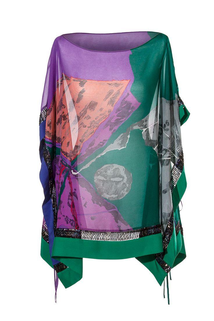 COSMO  - Blusa-poncho in crép georgette di pura seta, inserti gallone di organza ricamato in canottiglie. www.blomming.com/mm/AltaModaDonna/items/cosmo-blusa-poncho