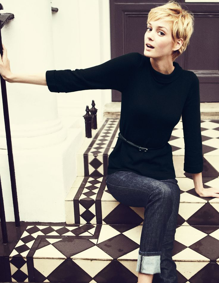 Boden sixties jumper, skinny belt, cuffed jeans (with oxfords?), architectural detail