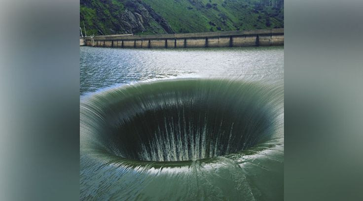 02/22/2017 - 'Glory Hole': California storms see return of bizarre lake phenomenon (VIDEO)...this looks so freakin' precarious, doesn't it?