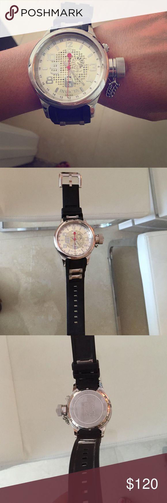 Authentic Mens Invicta Watch, practically new Diver Invicta Mens watch, black rubber straps Invicta Accessories Watches