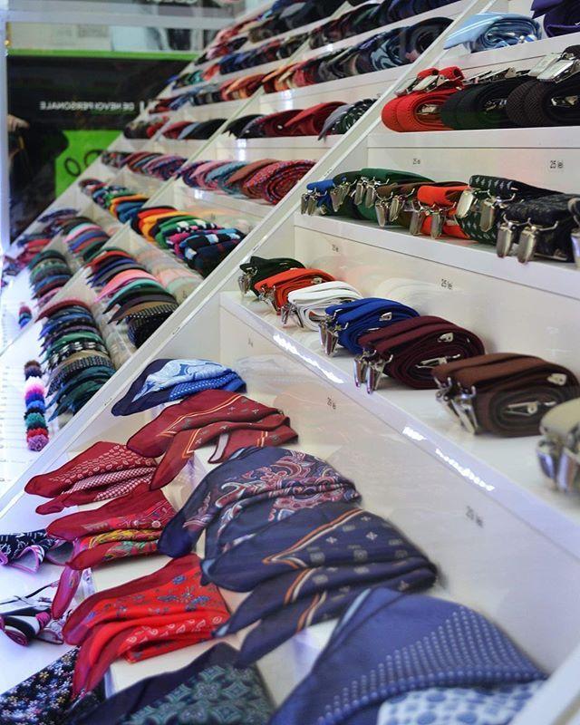 Petrece cu stil seara de Dragobete!          #accesorii #accessories #papion #bowtie #cravata #tie #selftie #bretele #suspenders #batista #butoni #cufflinks #handkerchieffashion #fashion #mode #style #stil #stilvestimentar #fashionstyle #mensfashion #menswear #eleganta #domn #onore #innobileazatinutadomnilor