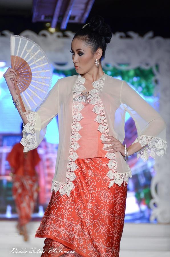 indonesian modern kebaya and batik 5 by Deddy Satrio, via 500px