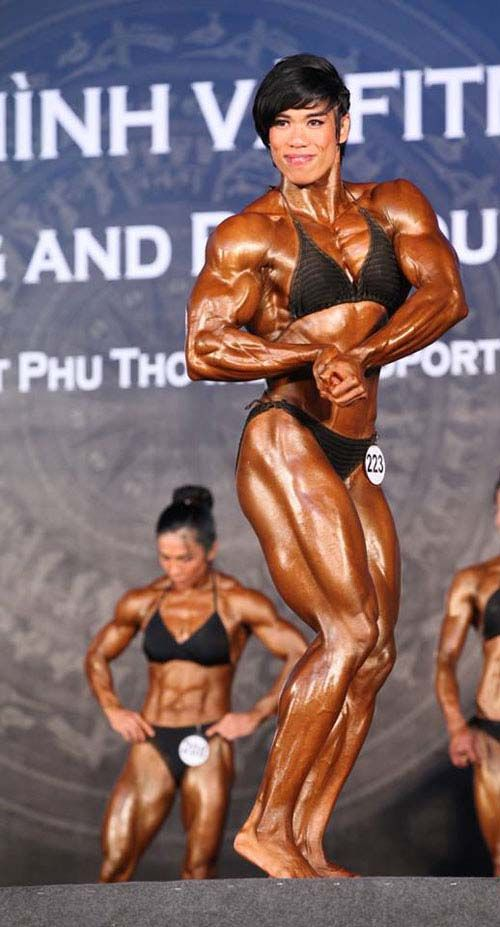 The huge female bodybuilder Jaranya Dungkam | Huge Female ...