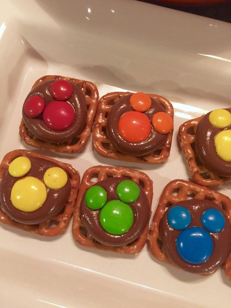 Mickey M&M pretzels