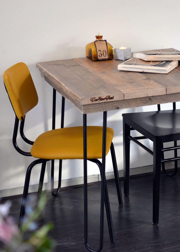 Bistrotafel met hairpin legs   steigerhouten blad, hairpin poten   kleine tafel   indrustriële inrichting horeca