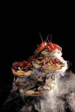 Les plateaux décadents de fruits de mer du Bar à Huîtres livrés à domicile - en moins d'une heure - ... - Vanity Fair