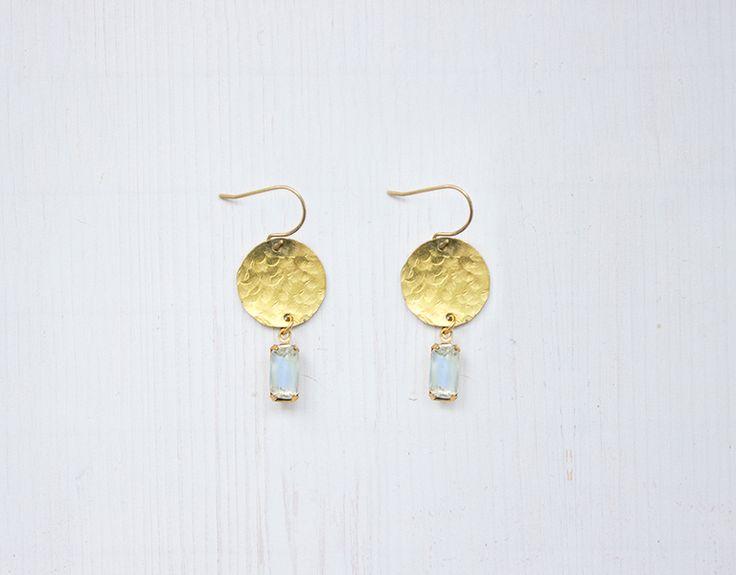 Ohrringe - Art Deco Blau und Gold Messing Kreis Ohrringe - ein Designerstück von Kalinkati bei DaWanda