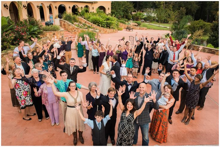 Madera Estates Wedding Group Photo with Bride and Groom in a heart