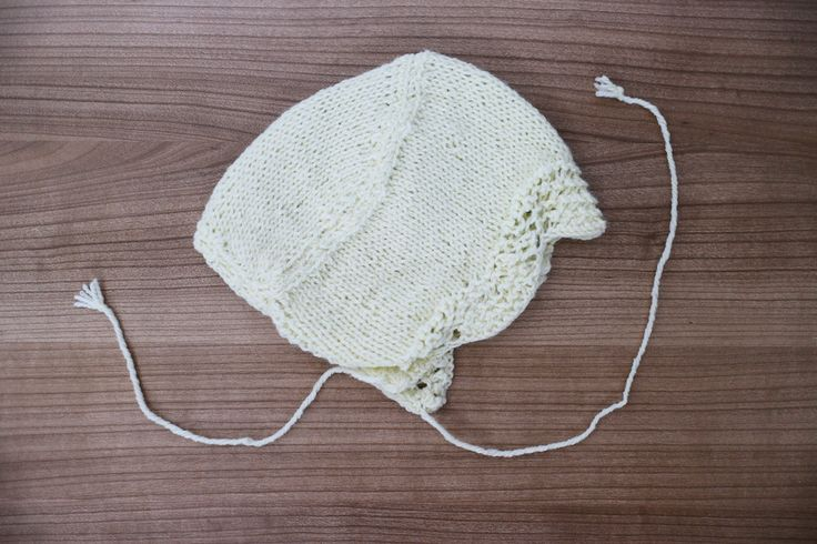 Off white baby hat. Crochet baby bonnet. Knitted baby hat. Baby hat 0-12 months. Handemade baby hat. Newborn present. Baby…