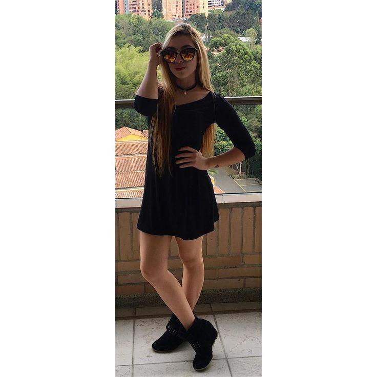 """175 Me gusta, 7 comentarios - Maria Camila Ruiz Arbelaez (@mc.ruiza) en Instagram: """"Lo que No Fue en Tu Año.. No Te Hizo Daño😝😜💕🍾💨"""""""