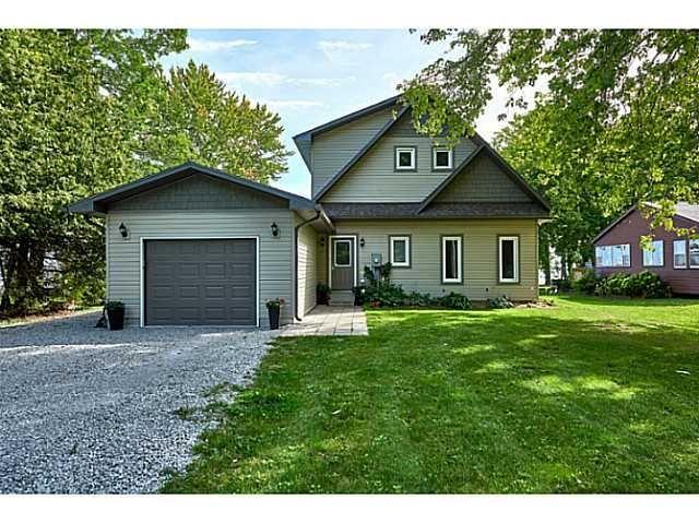 Custom Champlain cottage-royalhomes.com