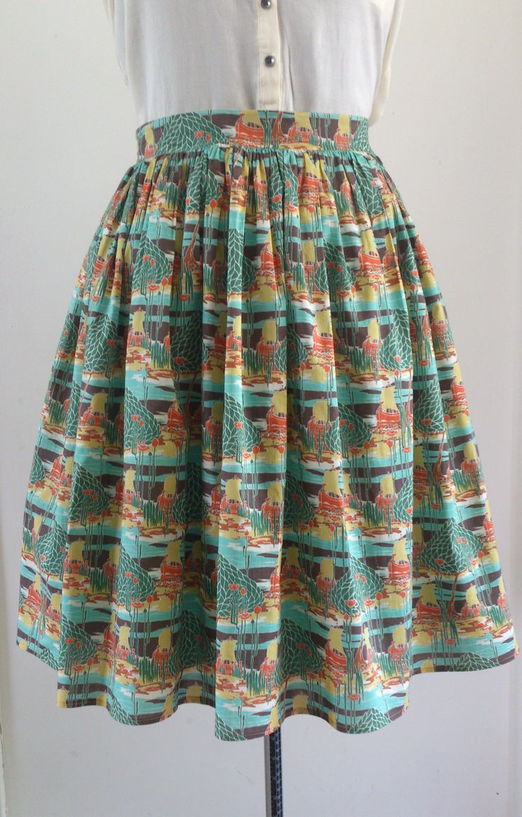 Gathered skirt. Material: printed cottonblend. No pattern used.