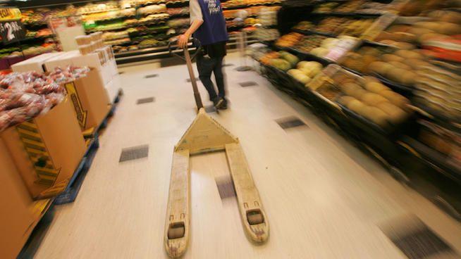 Antioch: Walmart Customer Accidentally Shoots Self in Leg  Source: http://www.nbcsandiego.com/news/california/SD-Antioch-Walmart-Customer-Accidentally-Shoots-Self-in-Leg-247275621.html#ixzz2uRv8VYgi