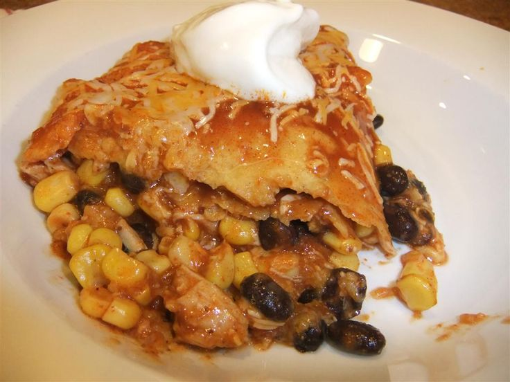 Easy Healthy Chicken Enchilada Bake Recipe - Calories: 218*Fat: 4.7g*Fiber: 4.5g*Carbs: 25.7g*Protein: 18.8g* Points+: 5