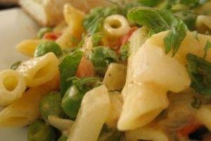 Salata de paste, feta si menta - Culinar.ro
