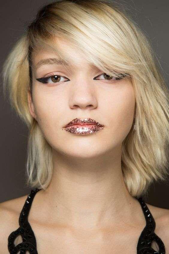 Make up capelli corti