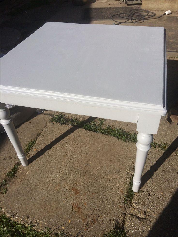 Table basse en bois poncer et repeinte en gris b ton mon - Table basse repeinte ...