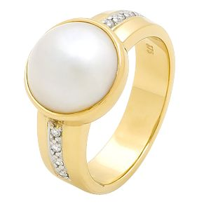 Fabulous Pearl Dress Ring with Diamonds