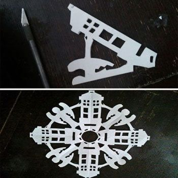 TARDIS & Weeping Angels. I will have to keep this in mind for next time I make snowflakes.
